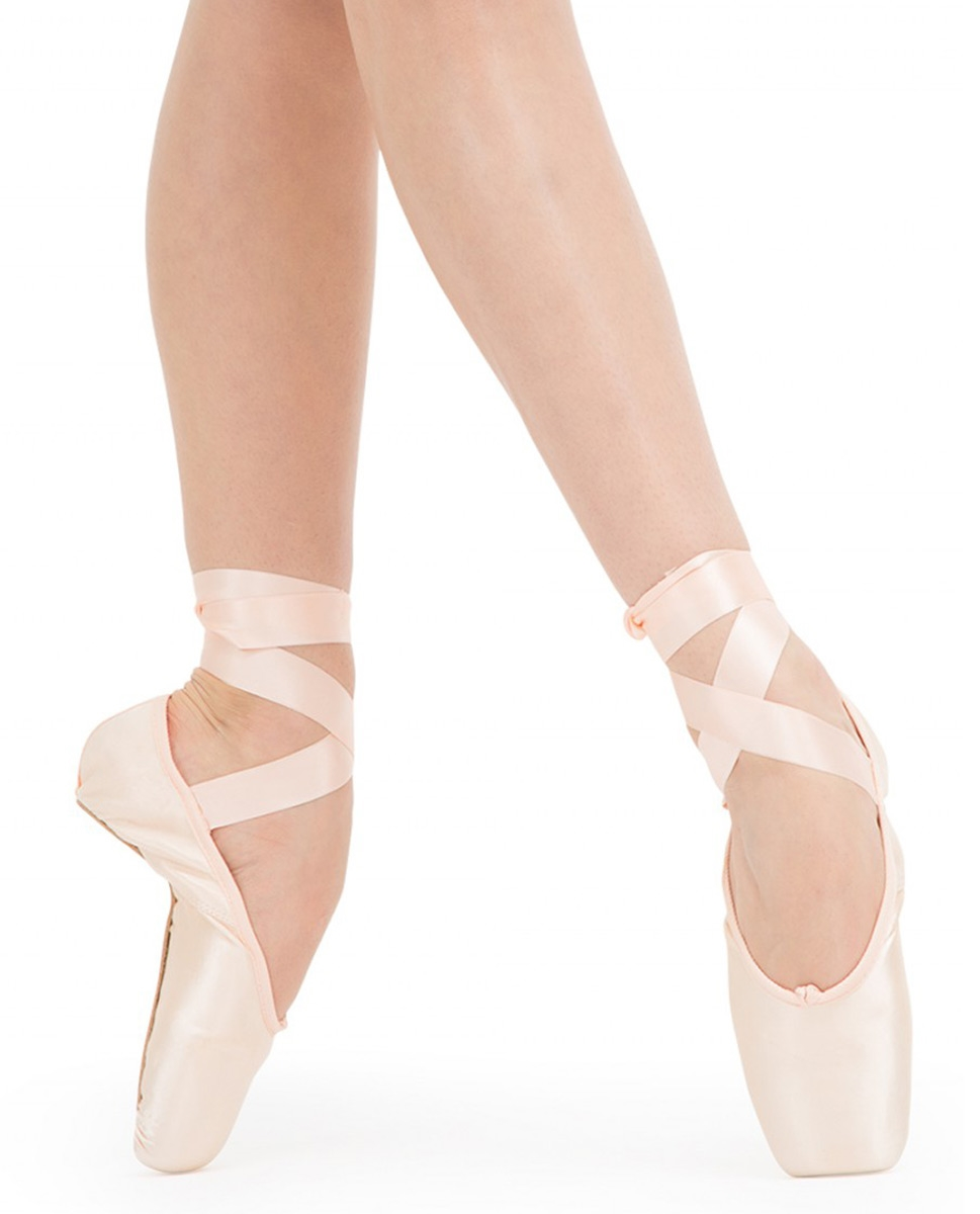 נעלי פוינט של המותג הצרפתי