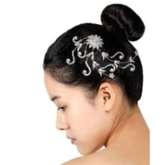 מסרקיה לשיער לבלט מעוטרת באבנים
