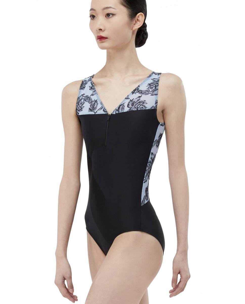 בגד גוף בגזרת גופיה של המותג Wear Moi בשילוב רשת